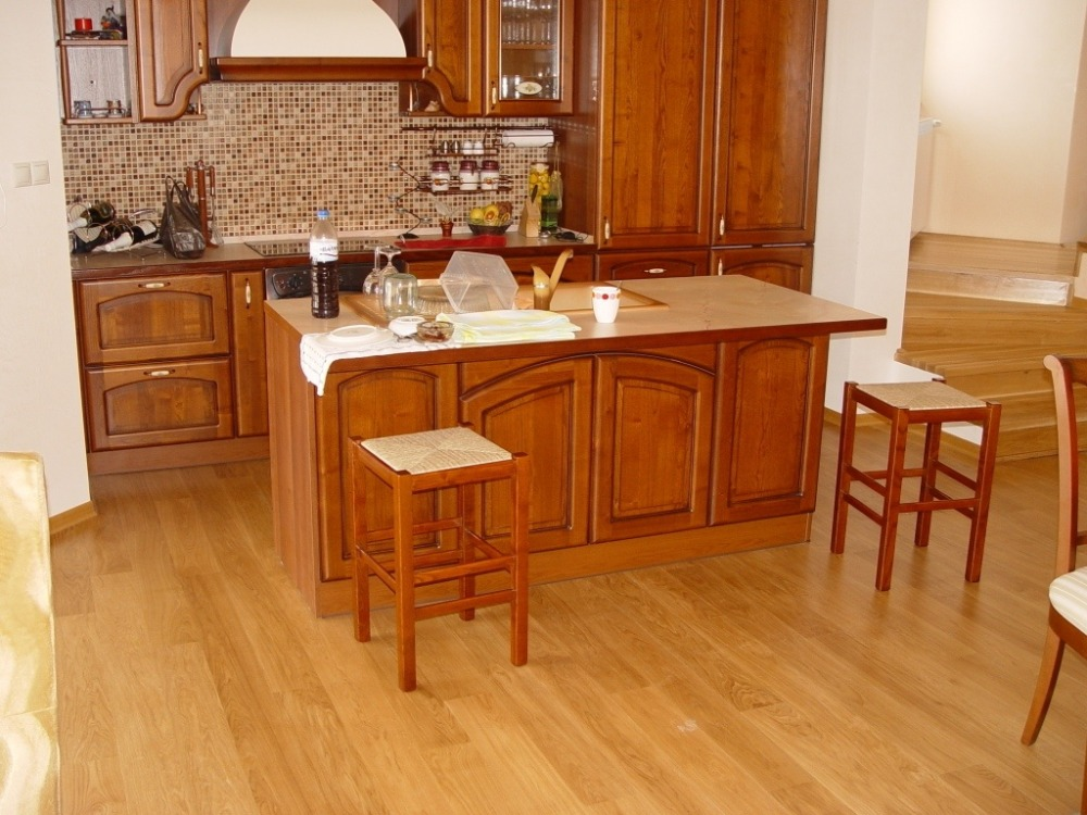 pavimenti cucina parquet: fragilità, trattamenti impermeabilizzanti